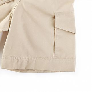 close up look of cargo men short sleeve shirt