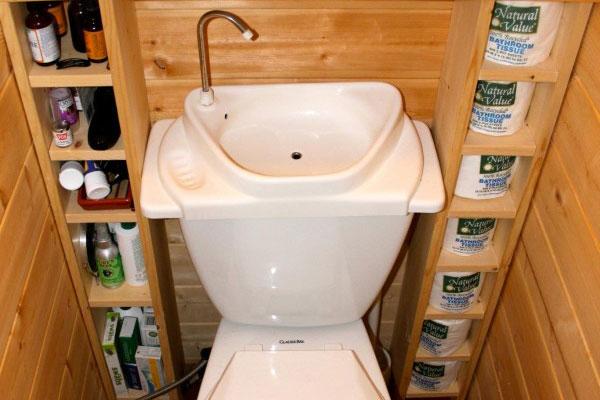 Toilet sink combination