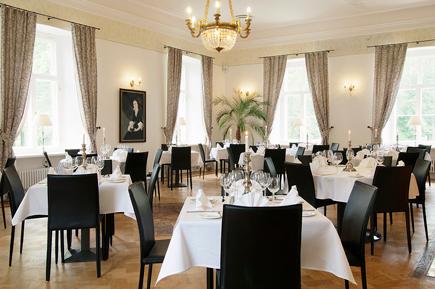 The La Boheme Restaurant & Cocktail Lounge